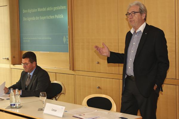 Franz Josef Pschierer und Bernd Lenze vom Arbeitskreis Medienpolitik