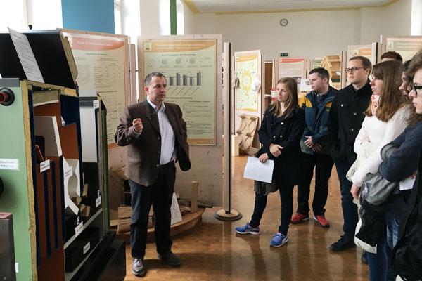 Ausstellung verschiedener Öfen