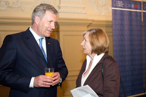 Altbundespräsident Christian Wulff mit Ursula Männle
