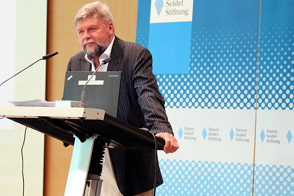 Klaus Schröder