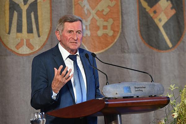 Alois Glück bei seinem Vortrag. © Bildarchiv Bayerischer Landtag, Foto: Ralf Poss