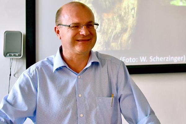 Referent Norbert Schäffer, Vorsitzender des Landesbundes für Vogelschutz