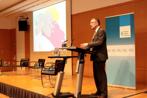 Michael Lüders bei seinem Vortrag