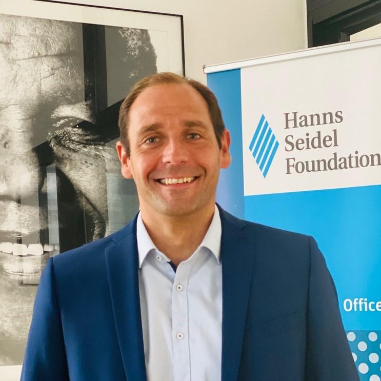 Projektleiter: Hanns Bühler